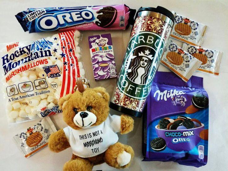 Вафля Daelmans из Голландии  20p Marshmallows 159p Milka choco-mix oreo (мини орео  пластинки молочного шоколада  драже с молочным шоколадом) 425p Порт.зарядка мишка 2190р (есть также единороги какашки эмоджи по 1590 .. см фото которые ранее ) Термокружка 990р Печенье oreo клубничный чизкейк 215р Конфетки milka schoko-drops (большое драже а внутри молочный шоколад ) 95p #wanttasty #сладостиизсша #вкусняшки #конфеты #лакрица #орео #портативнаязарядка #единорог #эмоджи #сладостиизевропы…