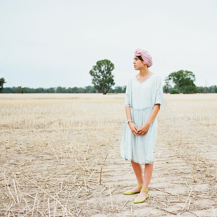 @modestlyrose in turban: Tree of Life light green dress, fluoro green ankle strap flats, pink scarf twisted into a turban. Image by: @beardeerfox.