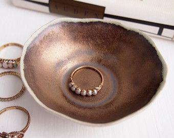 Piatto in ceramica turchese anello con puntini di Kabinshop