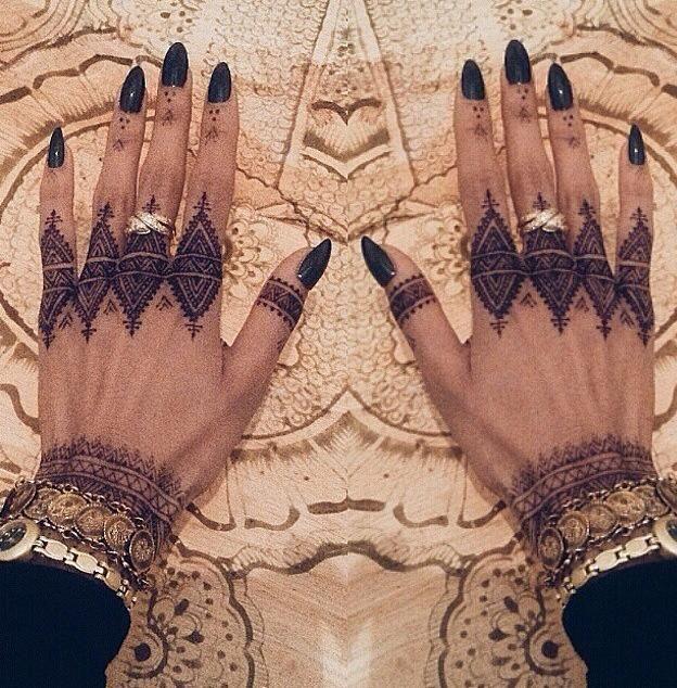 Henna Qaisar Designs Instagram : Front hand henna design by nidea k instagram