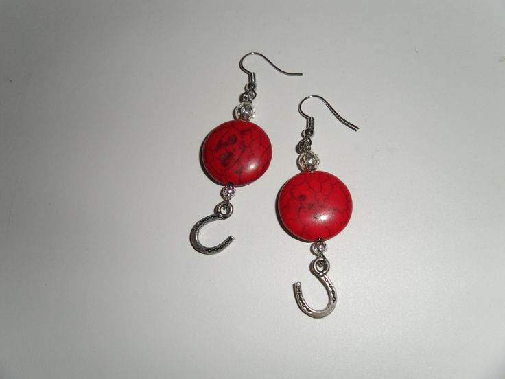 Handmade western earrings, red gems accented with horseshoe charms. Great stocking stuffers, Christmas gifts or lucky charms. https://www.etsy.com/ca/listing/170129815/red-turquiose-earrings-with-horseshoe