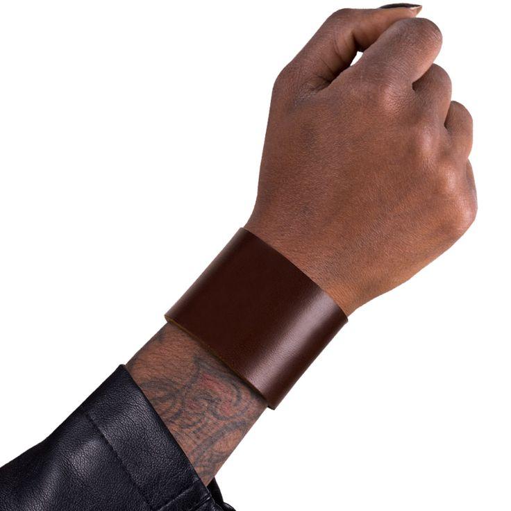 Snyggt armband! #style #fashion #läderarmband #armband  #skull #rock #leathercraft