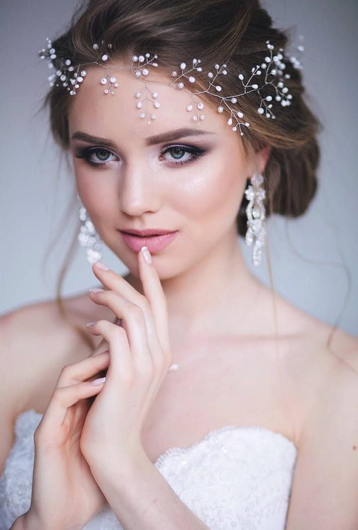 cool Красивые свадебные прически на средние волосы (50 фото) - С фатой и без