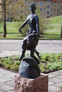 Rådare, feminin form rå, är en samlingsbenämning på mytologiska väsen av olika slag som råder och vakar över sina respektive domäner, exempelvis skogar eller berg.  Ordstammen rå är samma som finns i skogsrået, bergsrået, etc. (som vanligtvis betraktades som feminina, medan rådare kan vara av bägge könen).   Samiskan har ett begrepp för liknande väsen som heter radie och i fornnordiskan fanns ráð.  Också den gamla betydelsen av tomtar (eng. 'gnomes') kan räknas till rådarna.  I gammal…