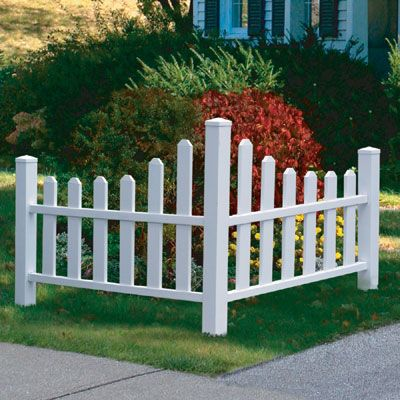 Decorative Corner Picket Fence - Sporty's Tool Shop