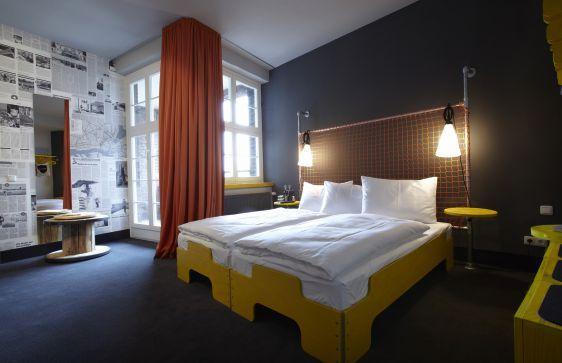 Günstige & stylishe Übernachtung ✔ 2 Standorte in Hamburg ✔ Bestpreis ✔ Hotel & Hostel ➤ Superbude