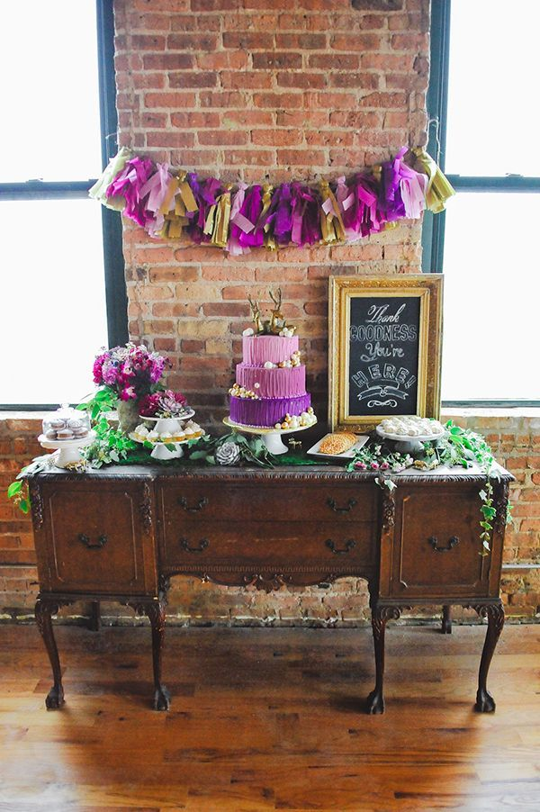 Radiant Orchid-inspired cake table with a woodland twist