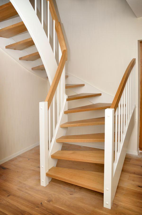 die besten 25 hochzeit treppe ideen auf pinterest hochzeit treppe dekoration gang. Black Bedroom Furniture Sets. Home Design Ideas