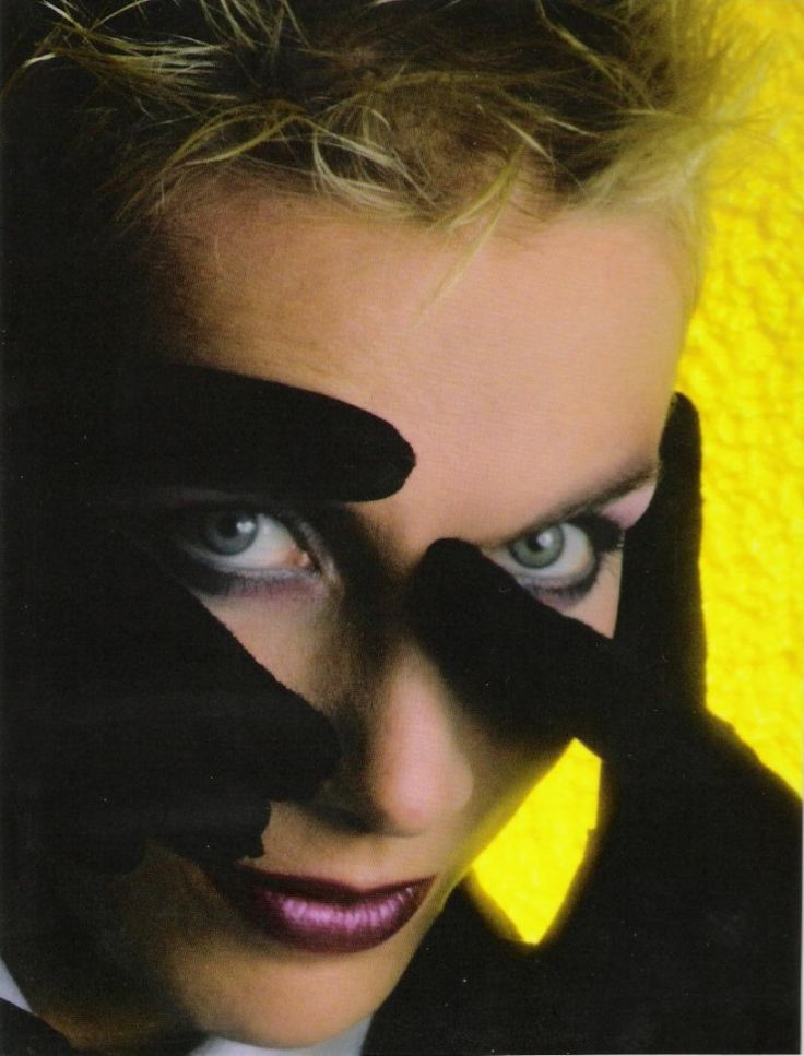 17 best images about annie lennox on pinterest nelson - Annie lennox diva album cover ...
