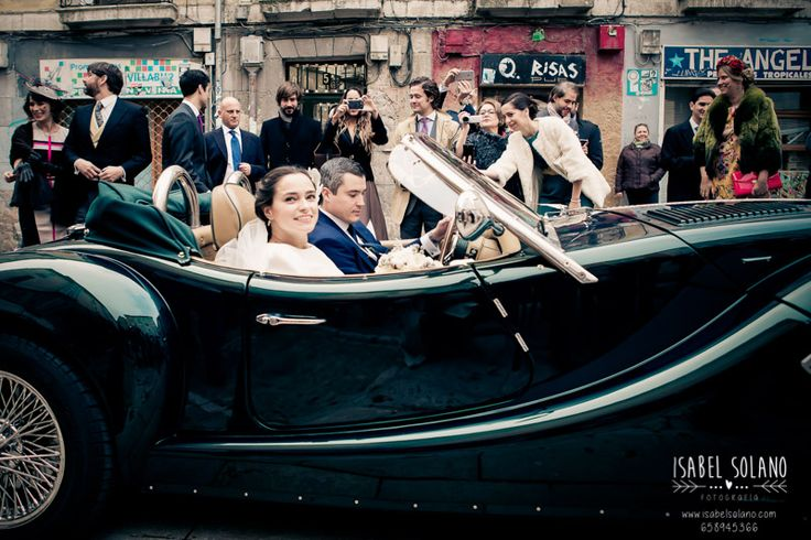 #coche #novios #verde #boda #fotografía