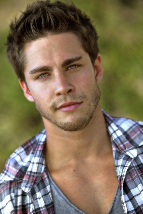 Dean Geyer is another strong possibility for Cayton.