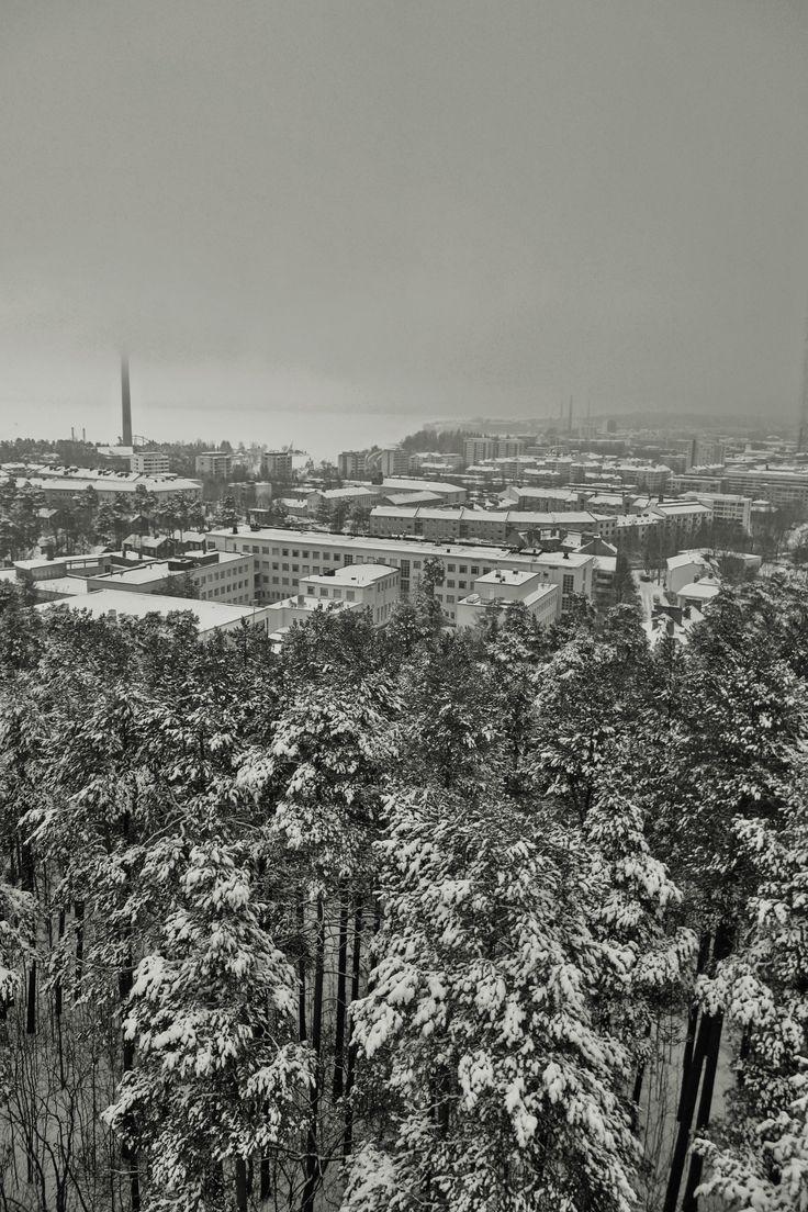Tamperetta Pyynikin näkötornista kuvattuna