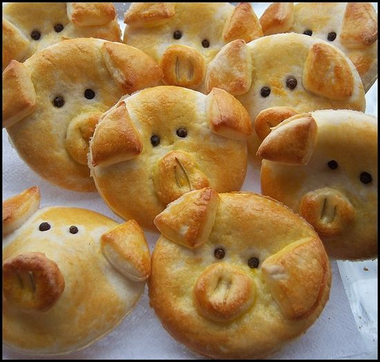 Piggy Rolls - filled with pizza sauce, cheese and whatever else you like -For the grandkids!