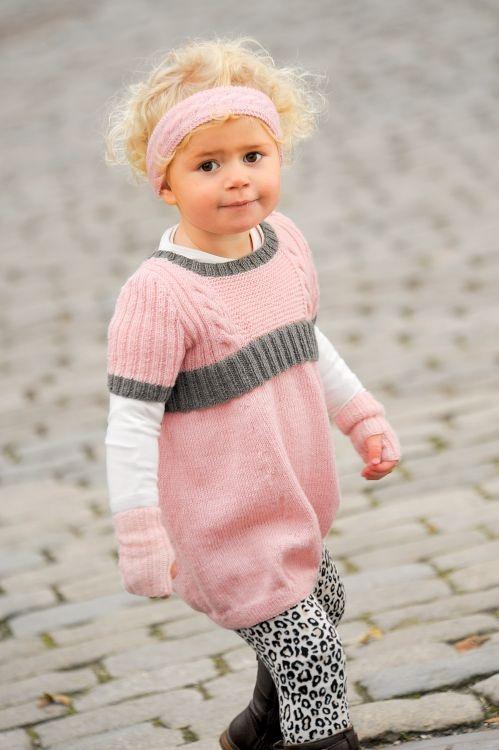 Tunika, pannband och pulsvärmare #knittingroom #stickat #garn #barn
