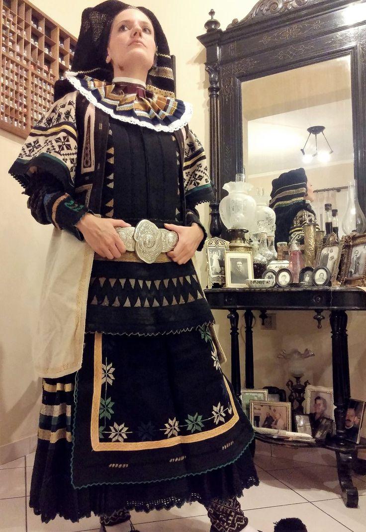 """Σαρακατσάνα Θράκης  , Ελλάδα - Karakachan from Thrace - Greece  Συλλογή Σωματείου """"Παραδοσιακή Φλόγα"""""""
