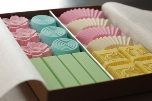 """Japanese sweets called """"Rakugan""""  It's not only beautiful but also tasty!"""