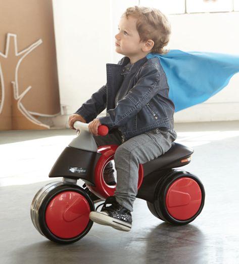 No hay nada como ver disfrutar a los niños con su Neo Moto por el paseo marítimo, el mejor plan familiar