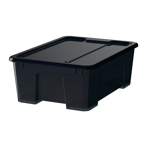 SAMLA Box mit Deckel IKEA Der Deckel schützt den Inhalt und macht die Box stapelbar.
