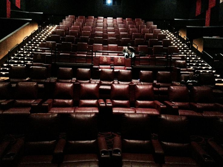 cuddle-couch-square-amc-assembly-row-12---64-photos---cinema---somerville-ma-image.jpg (JPEG Image, 1000×750 pixels)