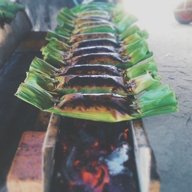 regram @shootmemed On process, In Acehnese it's called Pulot.  #weekend #lhokseumawe #ilhokseumawe #explorelhokseumawe #wisataaceh #discoveraceh #amazingaceh #repostaceh #ACEHrepost #vscoaceh #ig_aceh #visitaceh #kulineratjeh #iloveaceh #kulineratjeh #pulut #ketan #streetfood #jajananpasar