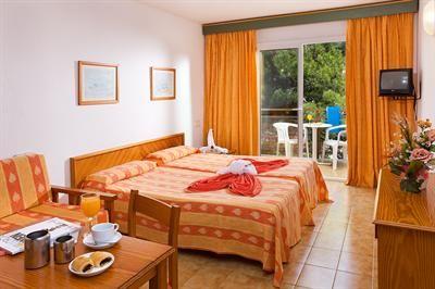Aparthotel Blue Sea Cala Guya Mar http://foodonlin3.wix.com/hotel