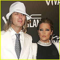 MICHAEL LOCKWOOD AND WIFE LISA MARIE PRESLEY