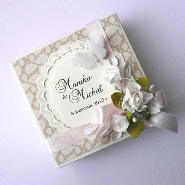 Spring wedding exploding box made by Ivy. Paper: Winter Elegance #3.