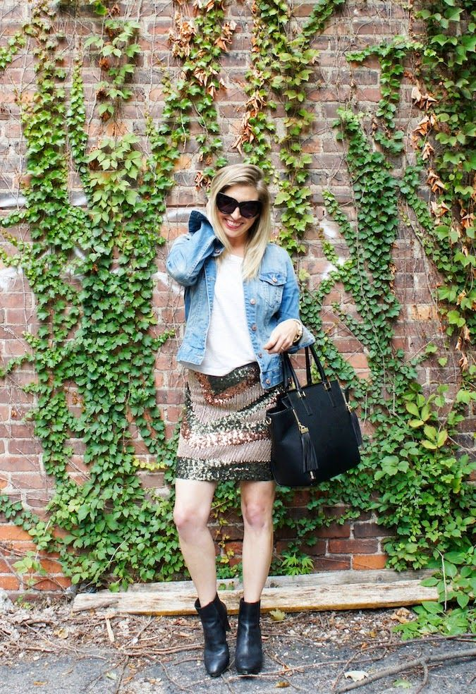 By mixing an H&M denim jacket and sequined skirt, @bosfashionista proves there's never a bad time for sparkle.  #HMOOTD
