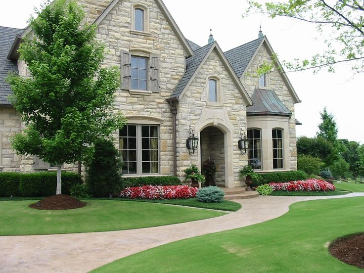 31 best images about front yard landscape on pinterest landscaping front yards traditional for Home and landscape design professional