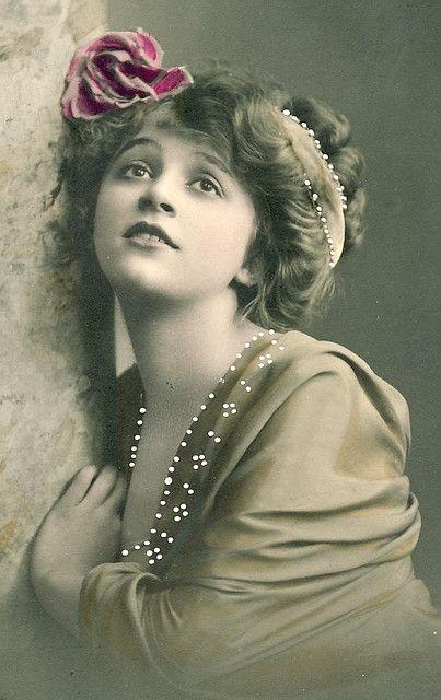 vintage lady - Foter
