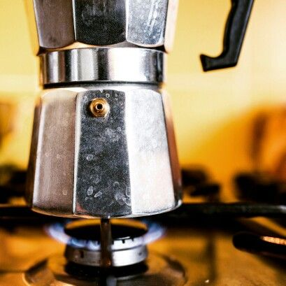 Moka pot coffee brewing this morning on the stove. http://www.misterbaristacoffee.uk