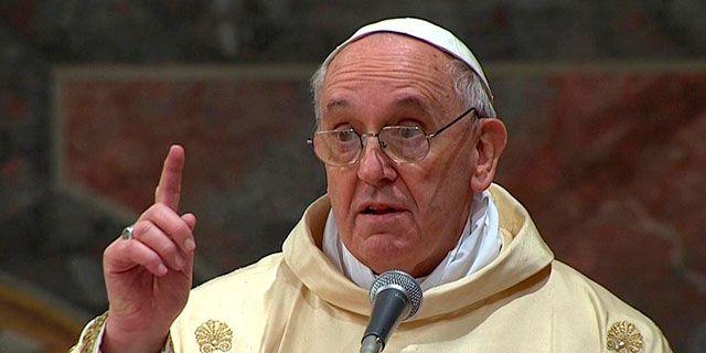 Habemus Papam Francisco, pero ¿habemus cambio?  Habemus Papam, no solo las gentes de creencia cristiana católica sino también las no creyentes, ateas, y de religión musulmana, judía u otras distintas.