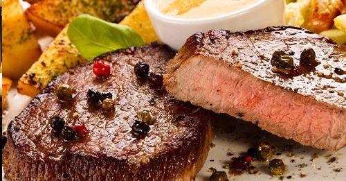 stejkyy stejkyyy, tak veľmi ich milujeme :) https://www.zlavomat.sk/zlava/561495-hovadzi-steak-alebo-kuracie-prsia-supreme