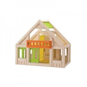 ΚΟΥΚΛΟΣΠΙΤΟ ΚΛΑΣΙΚΟ ΜΕ ΧΡΩΜΑ Πρόκειται για ένα κλασικό χρωματιστό κουκλόσπιτο στο οποίο το παιδί έχει εύκολη πρόσβαση από όλες του τις πλευρές. Το σπιτάκι αυτό διαθέτει μπαλκόνι, μία συρόμενη πόρτα και τέσσερα δωμάτια, που μπορούν να επιπλωθούν ως υπνοδωμάτιο, καθιστικό, κουζίνα ή τραπεζαρία (τα έπιπλα δεν συμπεριλαμβάνονται). Διαστάσεις 55,0 x 33,5 x 49,0 εκατοστά.