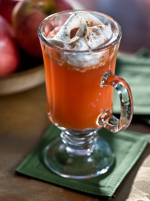 Hot Rasapple Rum Cider.  Welcome Thanksgiving guests with the warm and cozy aroma of this spicy hot cider.  http://www.hgtv.com/entertaining/cold-weather-cocktails/pictures/page-6.html?soc=pinterestApples Cider, Hot Rasapple Rum, Cider Cocktails, Hot Apples, Rasapple Rum Cider, Holiday Drinks, Cocktails Recipe, Cider Recipe, Cold Weather