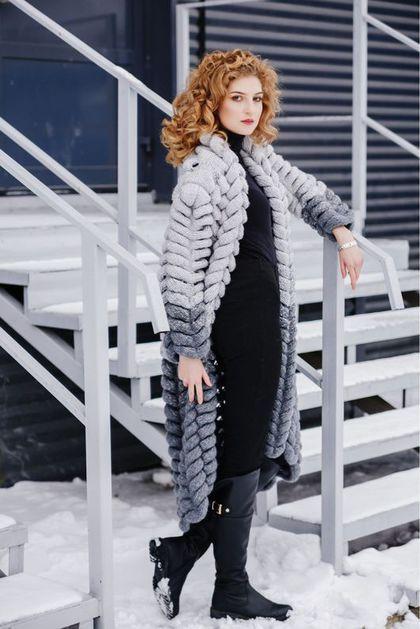 Купить или заказать Кардиган 'серый снег' в интернет-магазине на Ярмарке Мастеров. кардиган узором 'азиатский колосок' . Зимний вариант с мохером. Размер 44-46 оверсайз. Вес кардигана 2,8 кг, заменит верхнюю одежду в еврозиме.