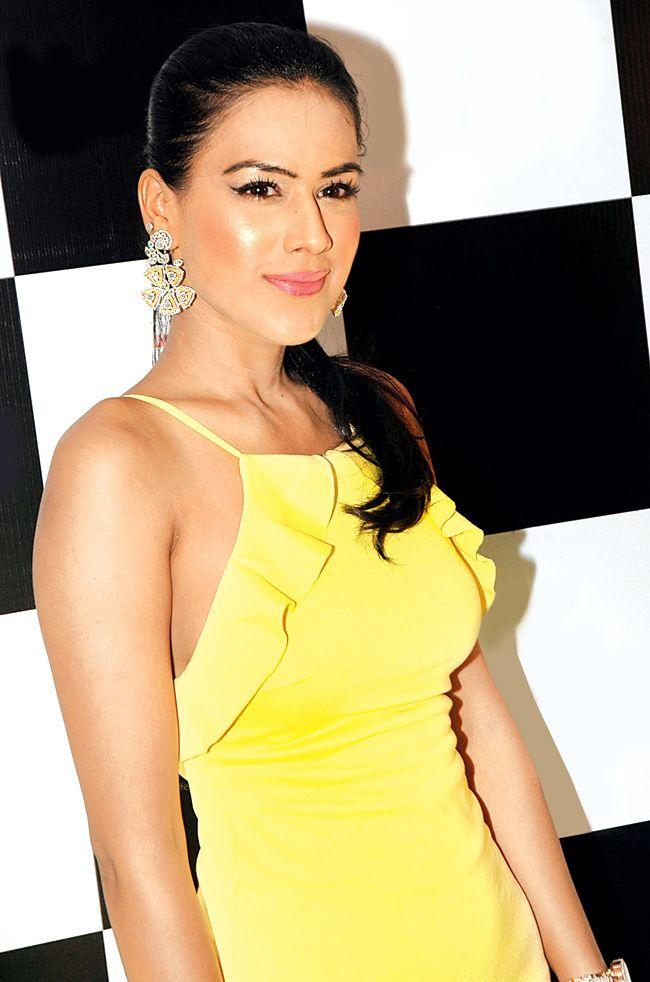 Nia Sharma #Style #Bollywood #Fashion #Beauty