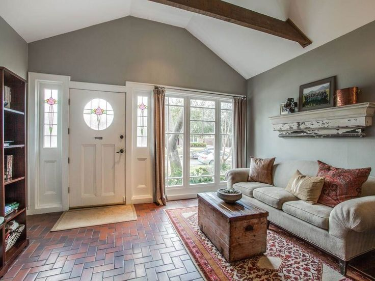 #Craftsman beauty | 5207 Ridgedale Avenue | 3 bedrooms | 2 baths #AllieBethAllman #LiveLoveEastDallas #WhiteRockLake #TakesANeighbor #WalkingNeighborhoods #NeighborhoodExperts #BestAgentsInDallas #DBest More about the home: http://aba.re/2mk3jBo2?utm_content=bufferf29de&utm_medium=social&utm_source=pinterest.com&utm_campaign=buffer