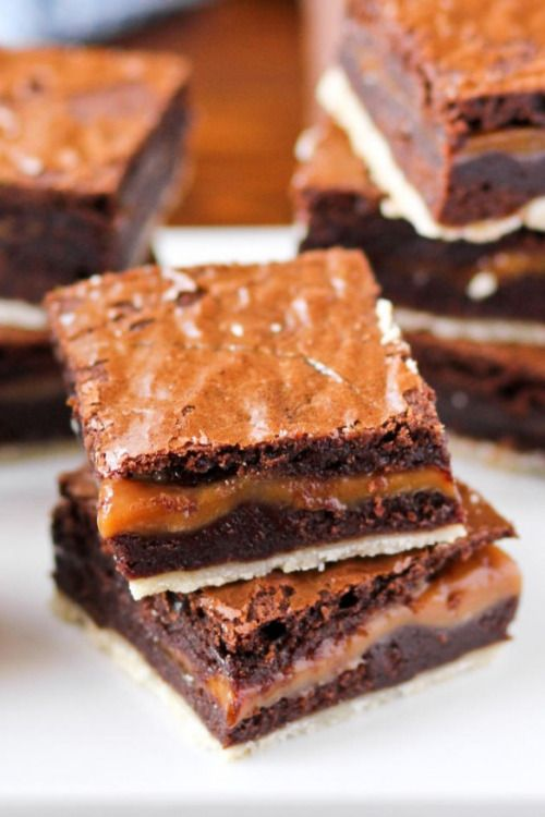 Recipe Twix Brownies Make sure to follow cause we post alot of food recipes and…