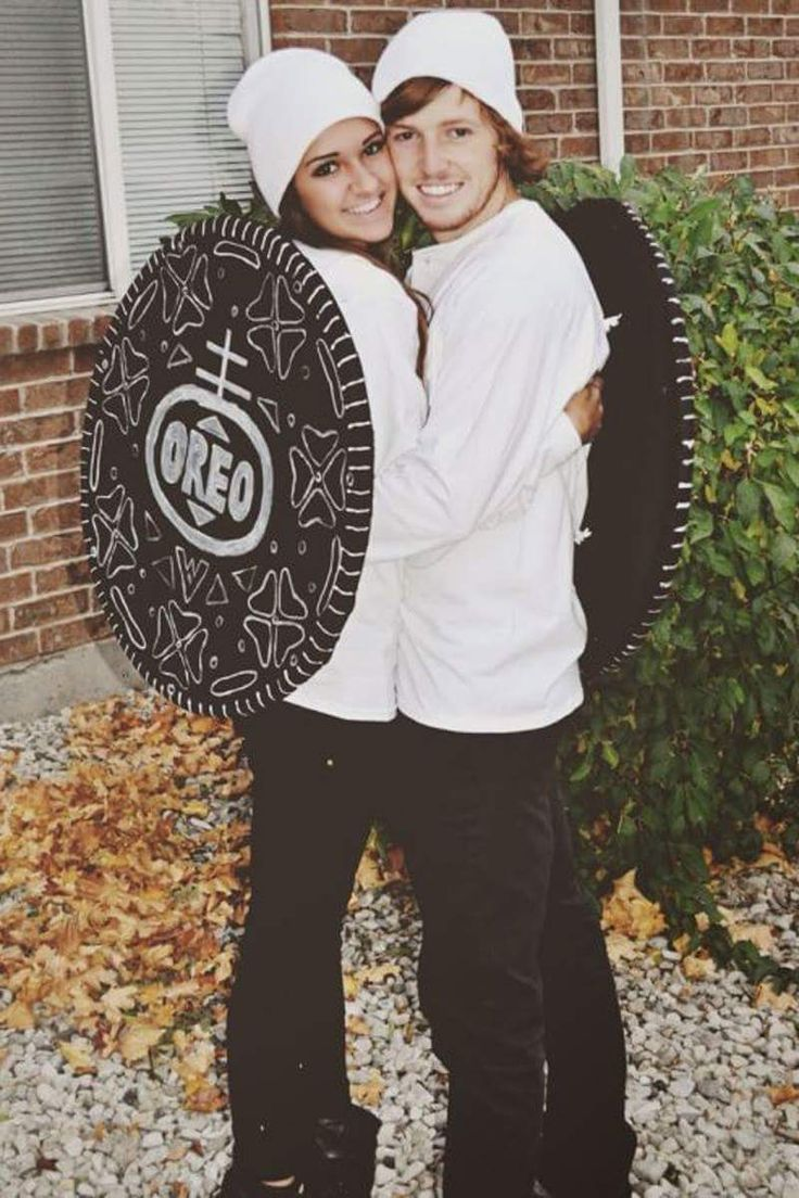 40 Oh-So-Innovative Diy Couple Halloween Costume Ideas -7046