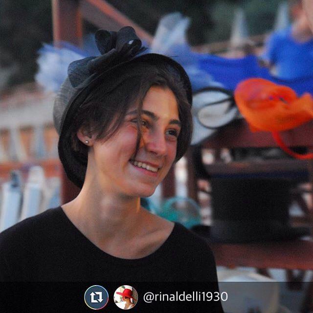 @rinaldelli1930 Voglia di sorridere fra queste creazioni che hanno rischiesto lavoro e ingegno!  #livorno #hatsummer #Toscana #tuscany #moda #ragazza #amicizia #estate #vacanze #bellezza #instaitaly_photo #instaitalia #instaitaly_photo #instaitalian #fascinator #instagood #instadaily #madeinitaly #artigianato #artigianale #fashion #igers #igtoscana #Italy #Italia