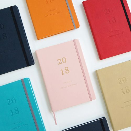 2018 Mon journal dated weekly diary planner by O-CHECK. This weekly diary features dated 192 pages separated into the following sections to help you plan for 2018 year.