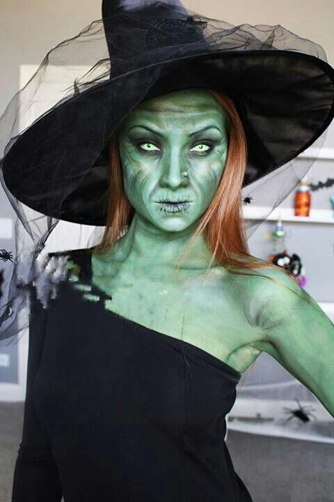 Scary Green Halloween Witch Costume Makeup