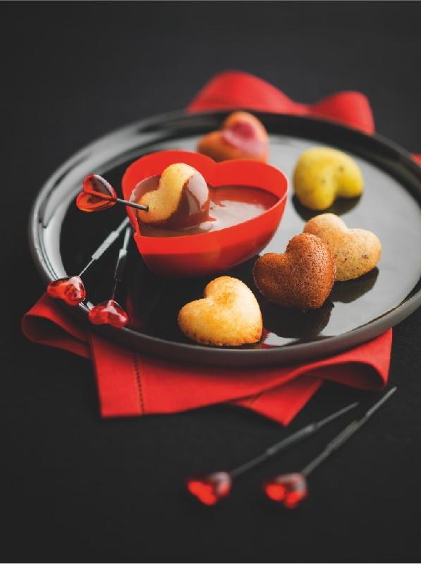 """Fondue au Chocolat pour 2 #Picard (réf : 82565). Participez à notre Grand Jeu Saint-Valentin en ré-épinglant ce visuel, celui des """"8 bisous apéritifs"""" et celui des """"Règles du Jeu"""" ! 5 bons d'achat Picard de 150€ à gagner ! Plus d'infos sur http://www.picard.fr/EntreNous/ViePratique/reglement_jeu_ma_saint_valentin_avec_picard_sur_pinterest3006.html?Retour=1"""