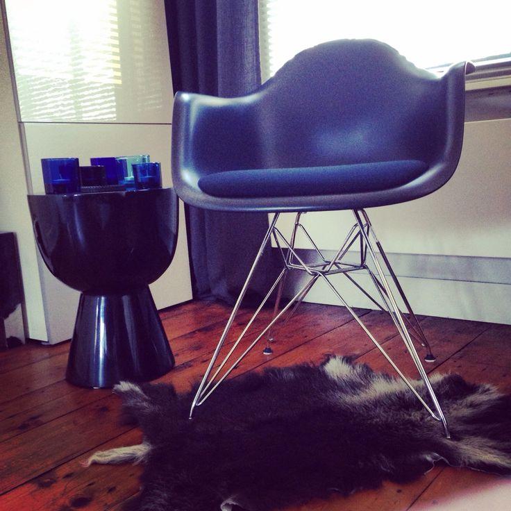 Eames armchair vitra