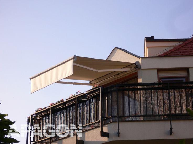 Na balkoně umístěná polokazetová markýza Warema 650 (http://www.apagon.cz/markyzy/markyzy-650)