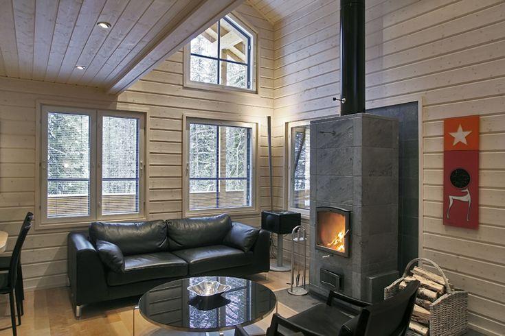 Intérieur d'une maison en bois finlandaise : salle de séjour