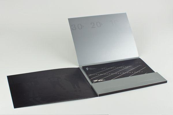 custom-designed-presentation-folders