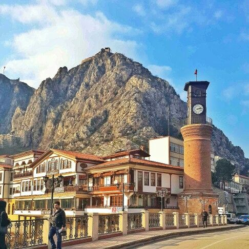 Amasya #Turkey #Amasya #Yeşilırmak #history #historical #place #building #saat #kulesi #tower #perfect #mountain #Amasya #kalesi #castle #historical #mavi #gökyüzü #light #crowded #square #road #architecture #Ottoman #stone #beauty #cool #life #yellow #sunny #güneş