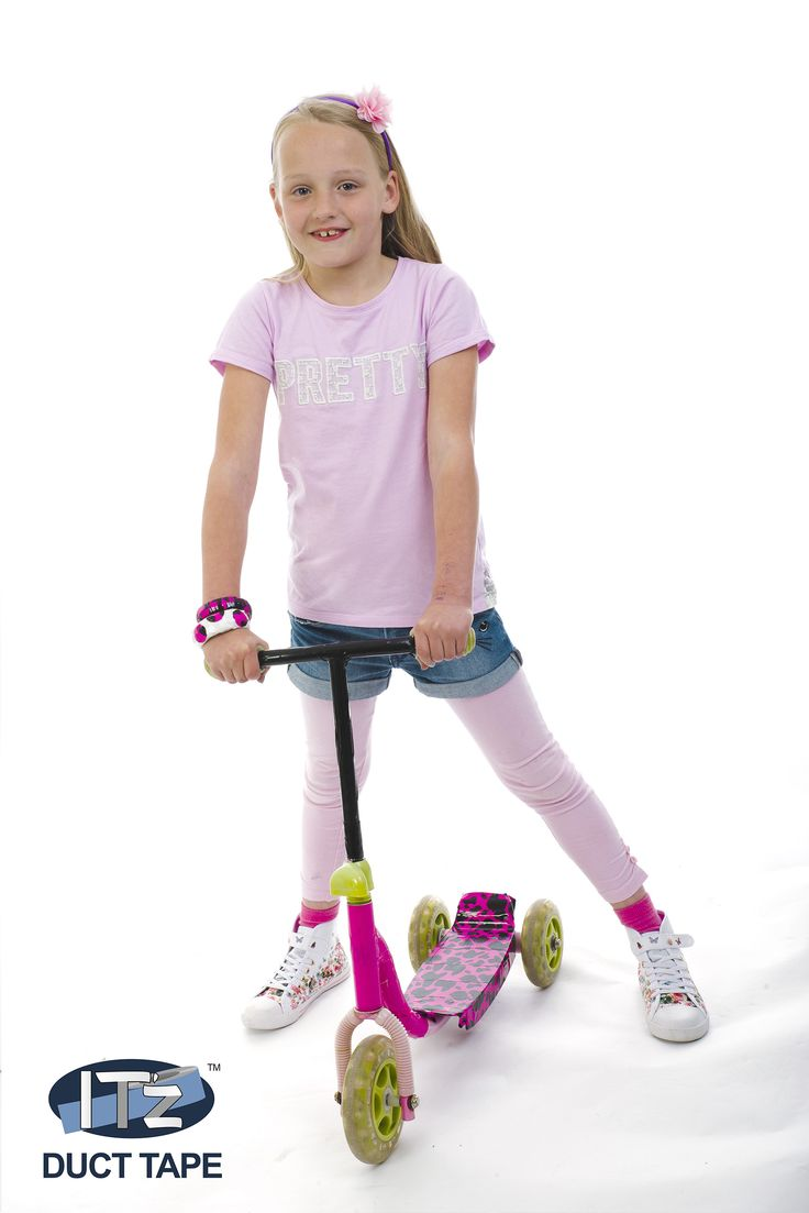 Geef je step of fiets jouw eigen stijl met IT'z duct tape. - IT'z easy to decorate your scooter or bike with IT'z duct tape.
